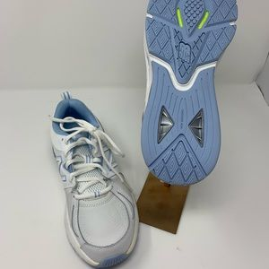 New Balance Sneakers size 8 1/2